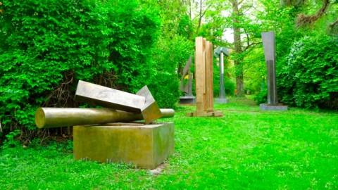 Hajek Skulpturenpark an der Hasenbergsteige in Stuttgart